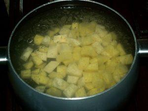 Сколько минут варить картошку в супе