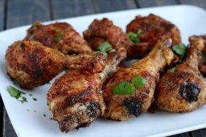 Сколько жарить куриные ножки на сковороде и в духовке?