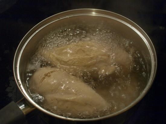 Сколько варить куриное филе для салата
