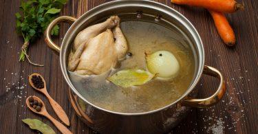 Сколько варить куриный бульон для супа?