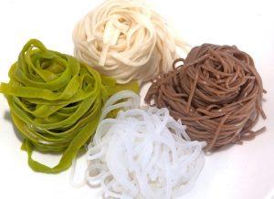Сколько варить лапшу – гречневую, яичную, рисовую