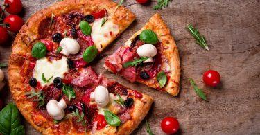 Сколько готовить пиццу в духовке, микроволновке?