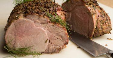 Сколько варить свинину до готовности (кусочками, на кости)?