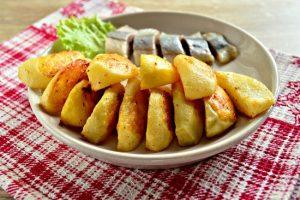 Сколько по времени запекать картошку в духовке