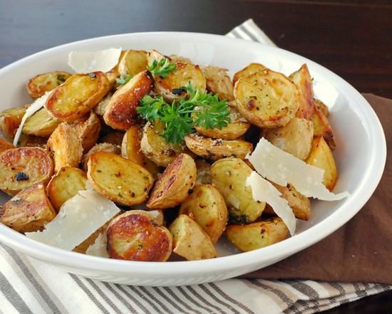 приготовить запеченный картофель
