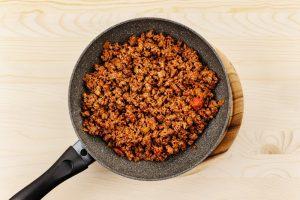 Сколько жарить фарш на сковороде (из говядины, свинины)?