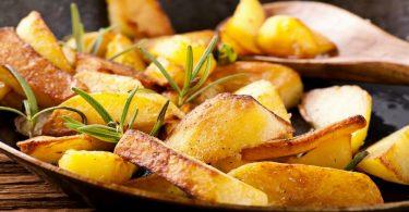 Сколько жарить картошку на сковороде по времени?