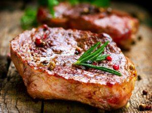 Сколько времени жарить стейк из свинины